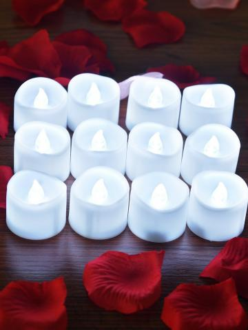 12-Pieces: LED Tealight Candle with 100-Pieces Fake Rose Petals